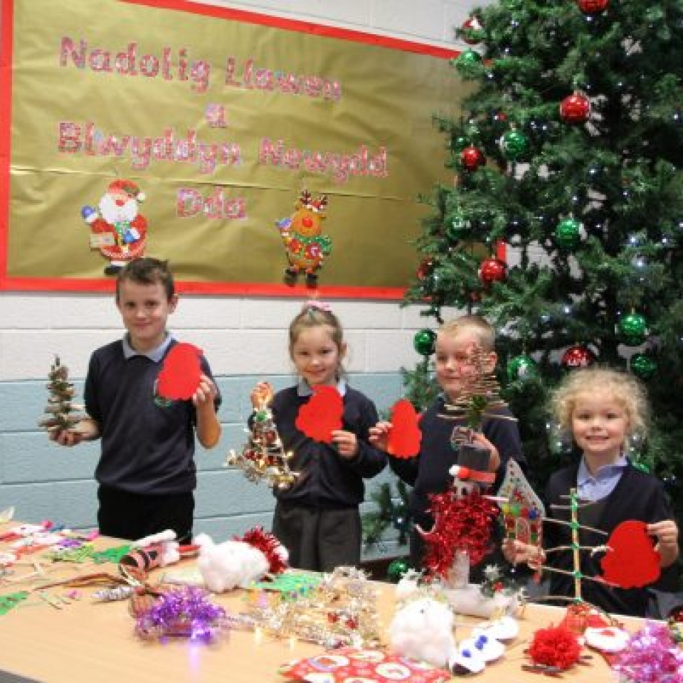 Ysgol Gymuned y Fali  Christmas decorations competition winners – Gerrit Forrester